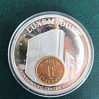 Большая медаль Люксембург . Монета на медали . В капсуле Proof