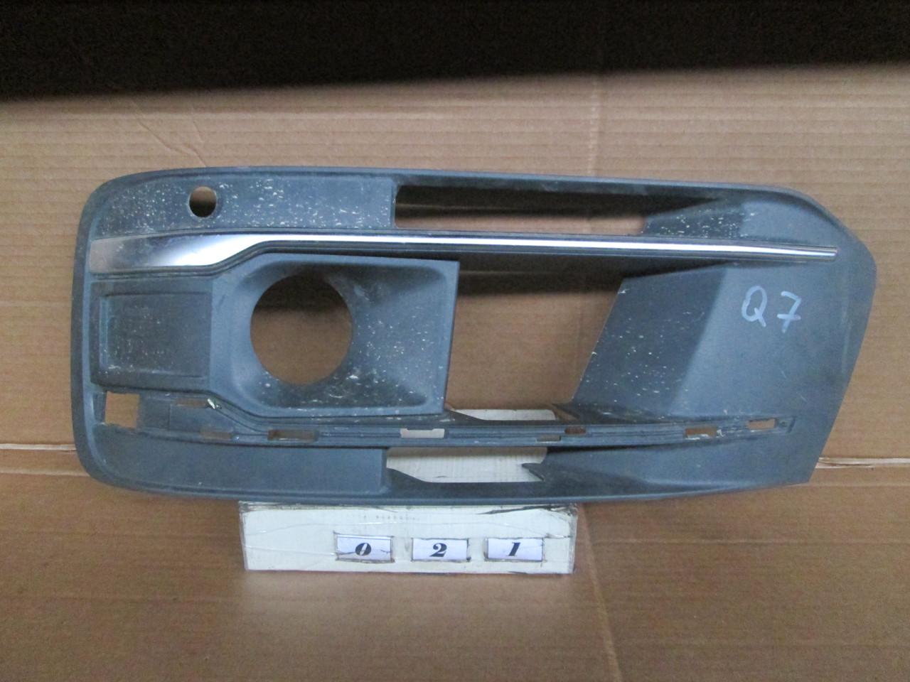 №21 Б/у Решітка бампера для Audi Q7 2005-2009