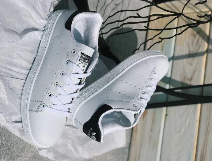 Женские кроссовки Adidas Stan Smith в стиле стэн смит БЕЛЫЕ ЧЕРНЫЕ (Реплика ААА+)