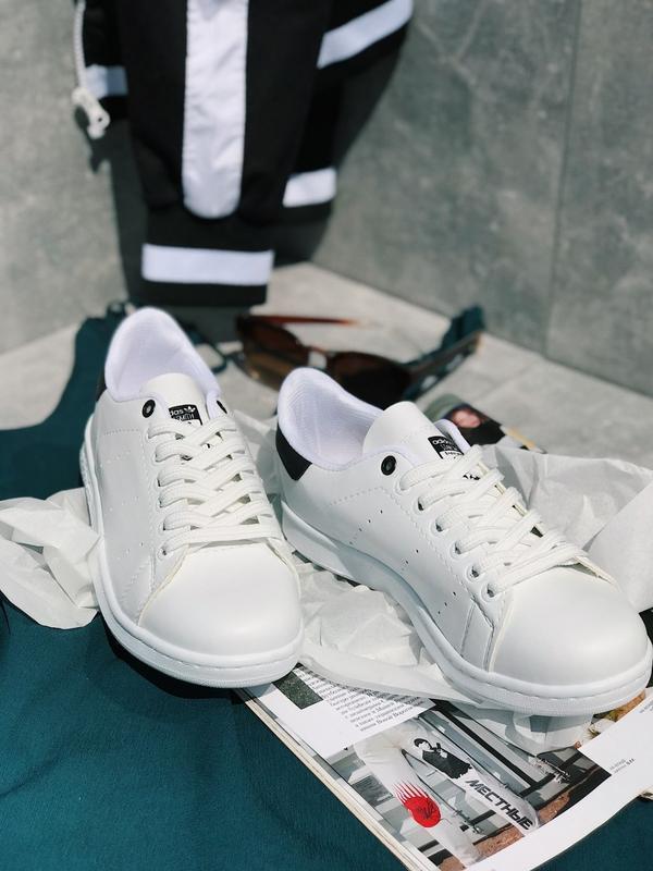 Чоловічі кросівки Adidas Stan Smith в стилі стен сміт БІЛІ ЧОРНІ (Репліка ААА+)
