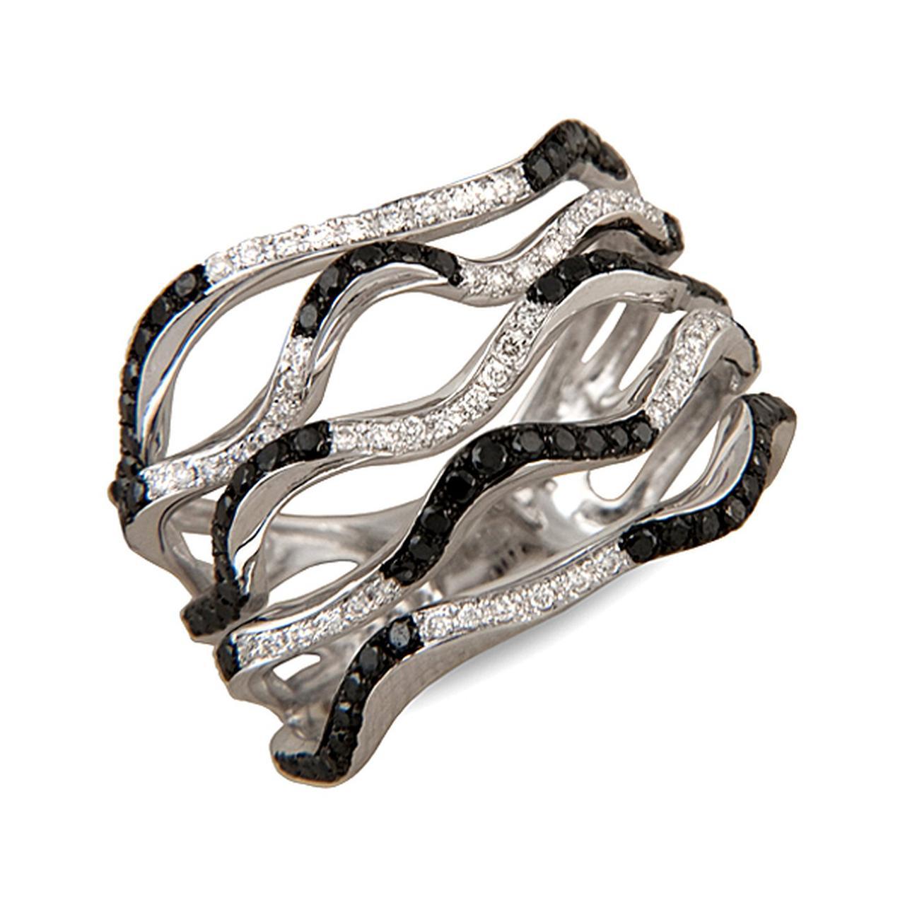 Золотое кольцо с бриллиантами, размер 17 (001657)