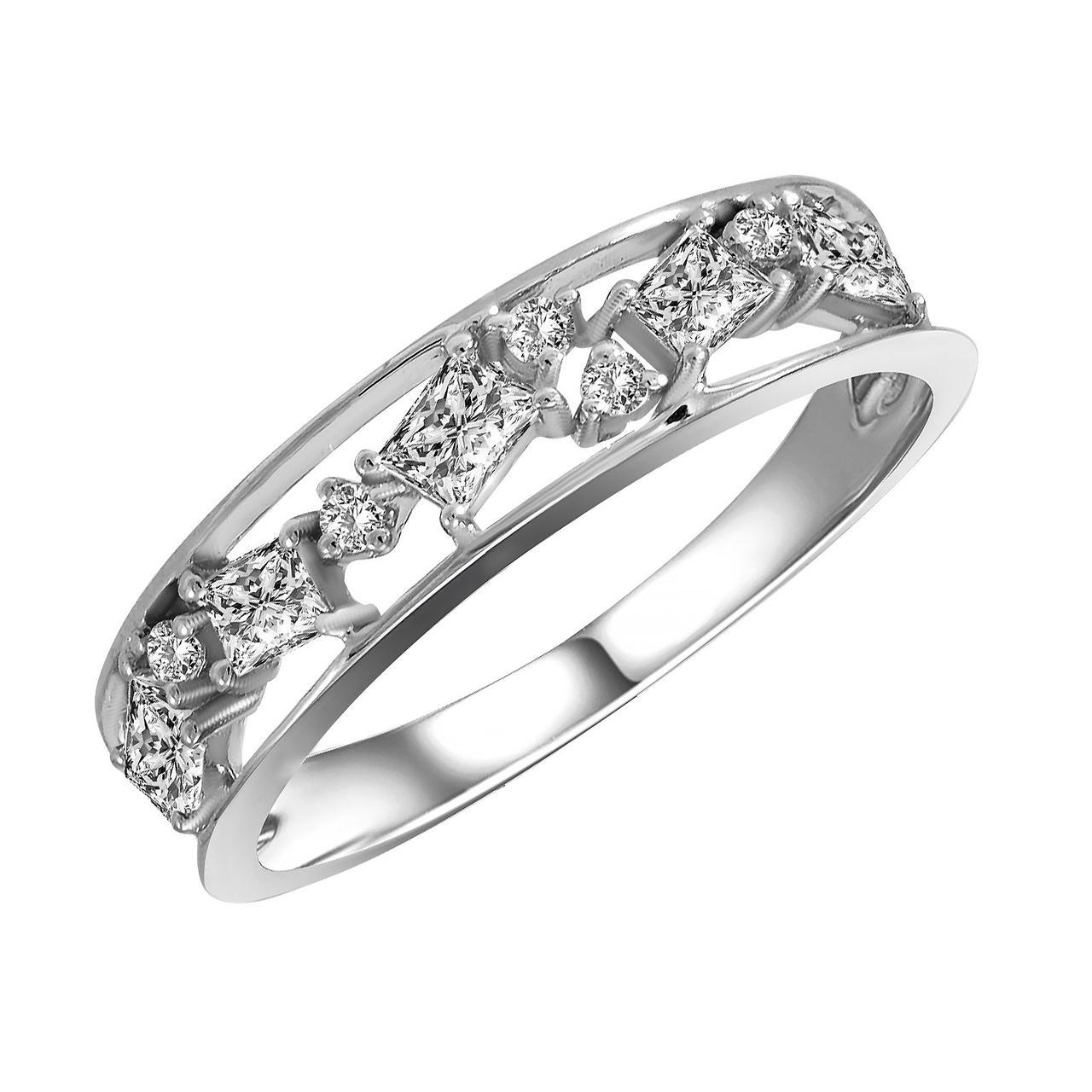 Золотое кольцо с бриллиантами, размер 16 (1722714)