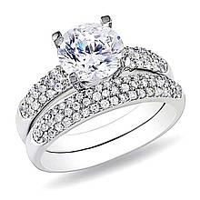 Серебряное кольцо с куб. циркониями, размер 17 (066225)