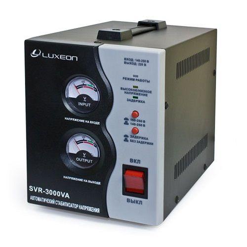 Стабилизатор напряжения LUXEON SVR-2000 черный