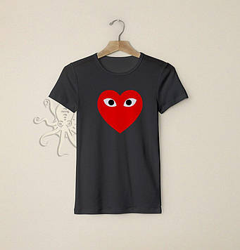Мужская черная футболка с сердцем / Футболки с надписями и лого на заказ