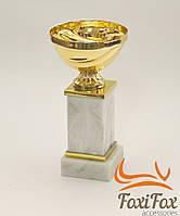 Кубок для призов на мраморной подставке