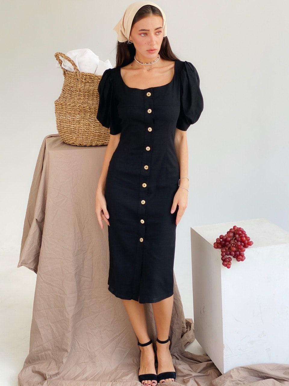 Женское элегантное платье-миди на пуговицах