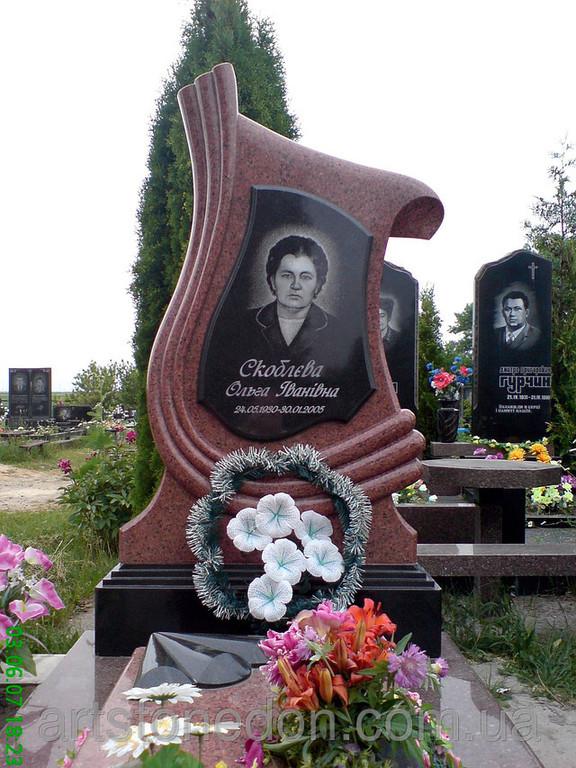Памятник гранитный с зеркалом