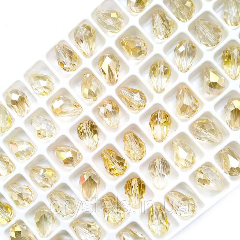 Хрустальные бусины капли Preciosa (Чехия) 10.5х7 мм Crystal Blond Flare