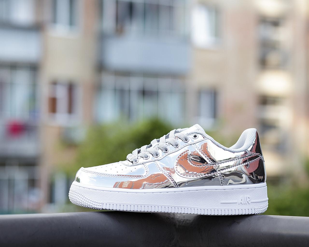 Жіночі кросівки Nike Air Force 1 SP Liquid Metal Silver
