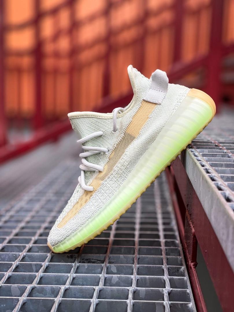 Чоловічі кросівки Adidas Yeezy 350 Grey Wolf/Green Glow