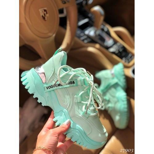 Мятные кроссовки Vogue