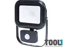 Светодиодный прожектор LED с датчиком движения Yato 82845