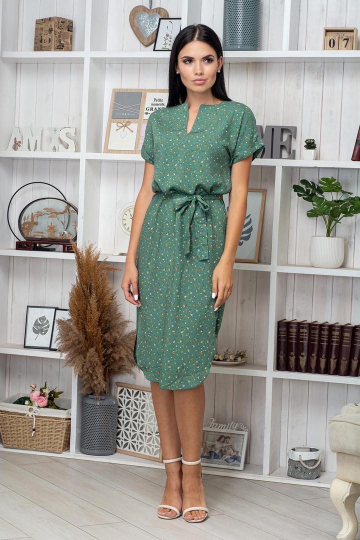 Платье летнее приталенное средней длины цветы на бледо-зел