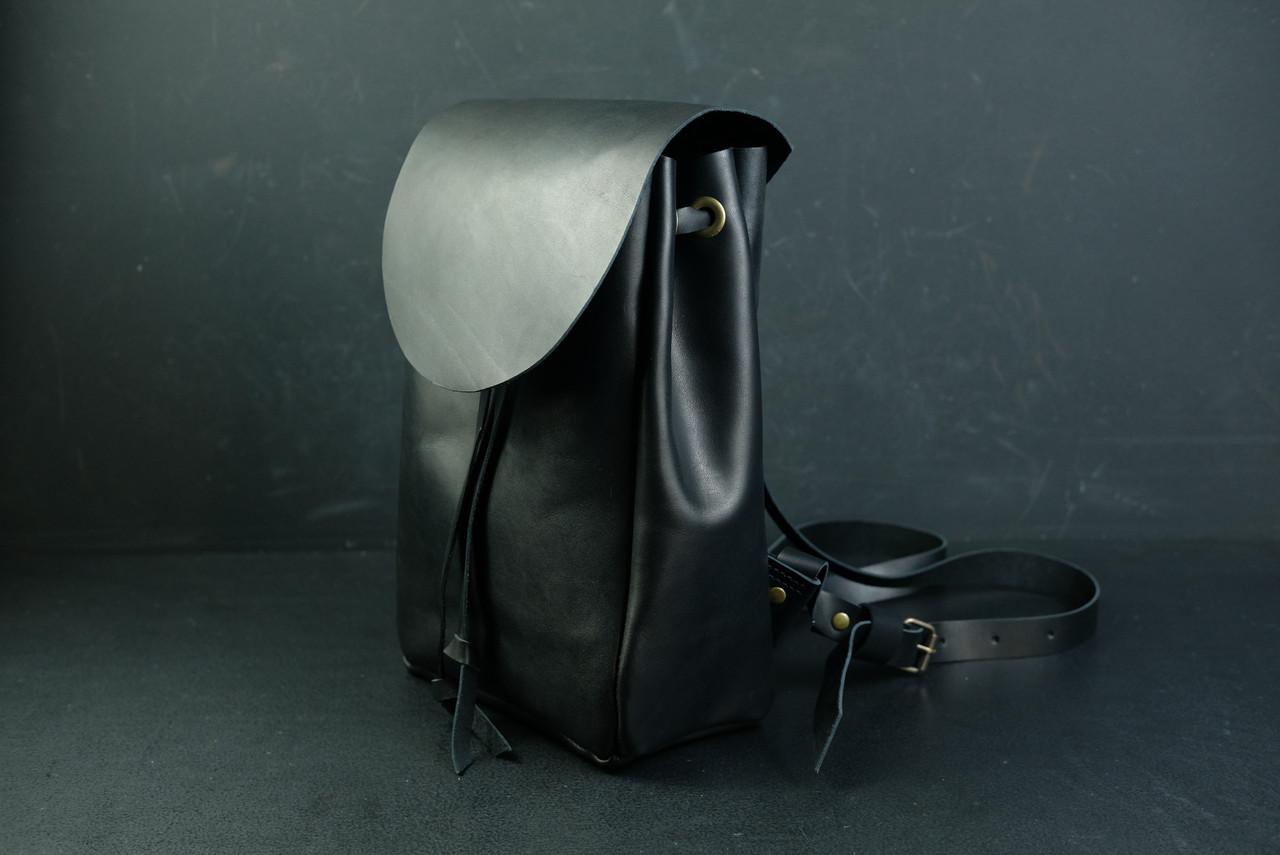 Шкіряний рюкзак на затягуваннях з вільним клапаном Шкіра Італійський краст колір Чорний