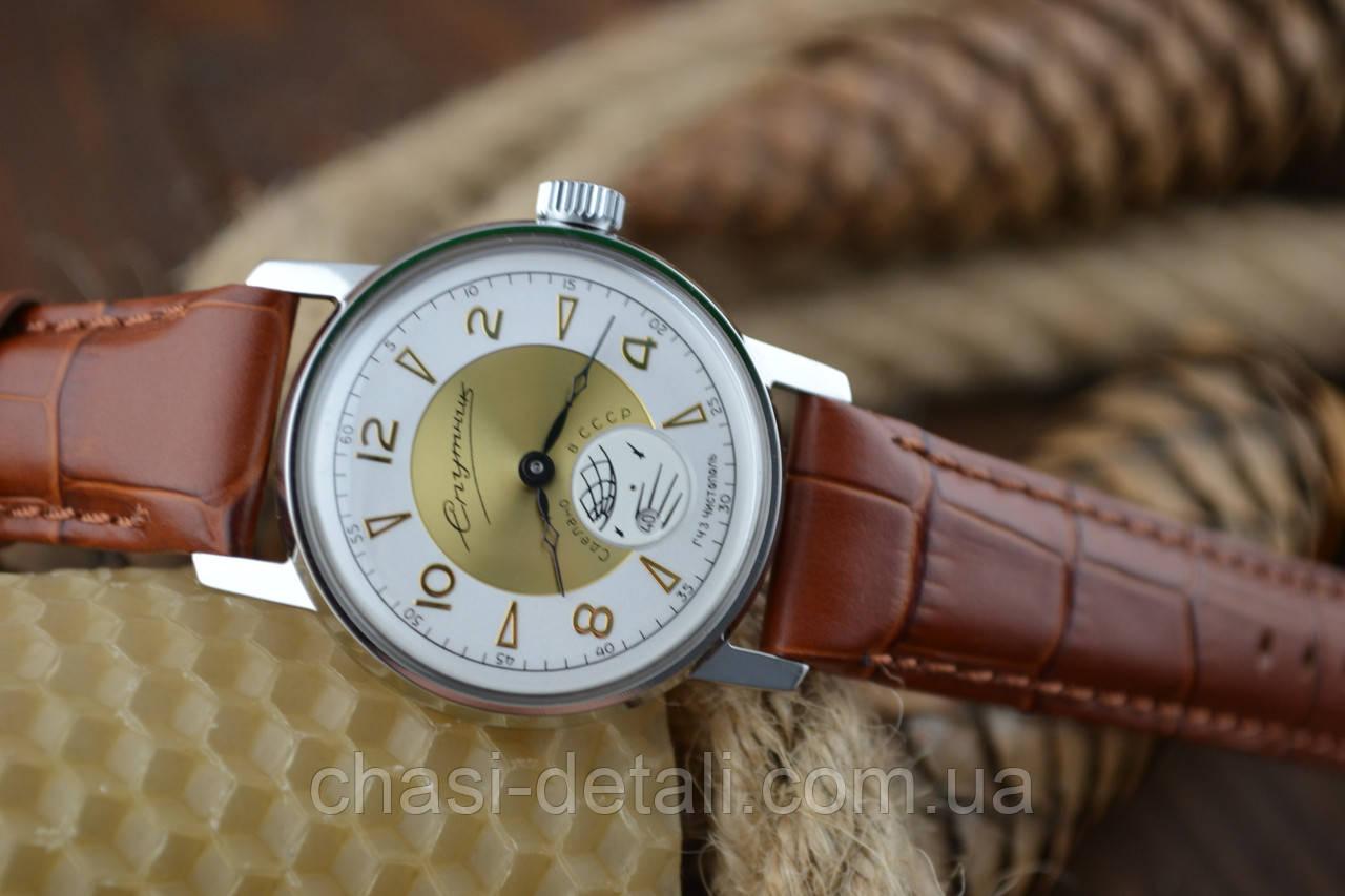 Часы Спутник,  наручные. Механизм советский. Корпус новый.