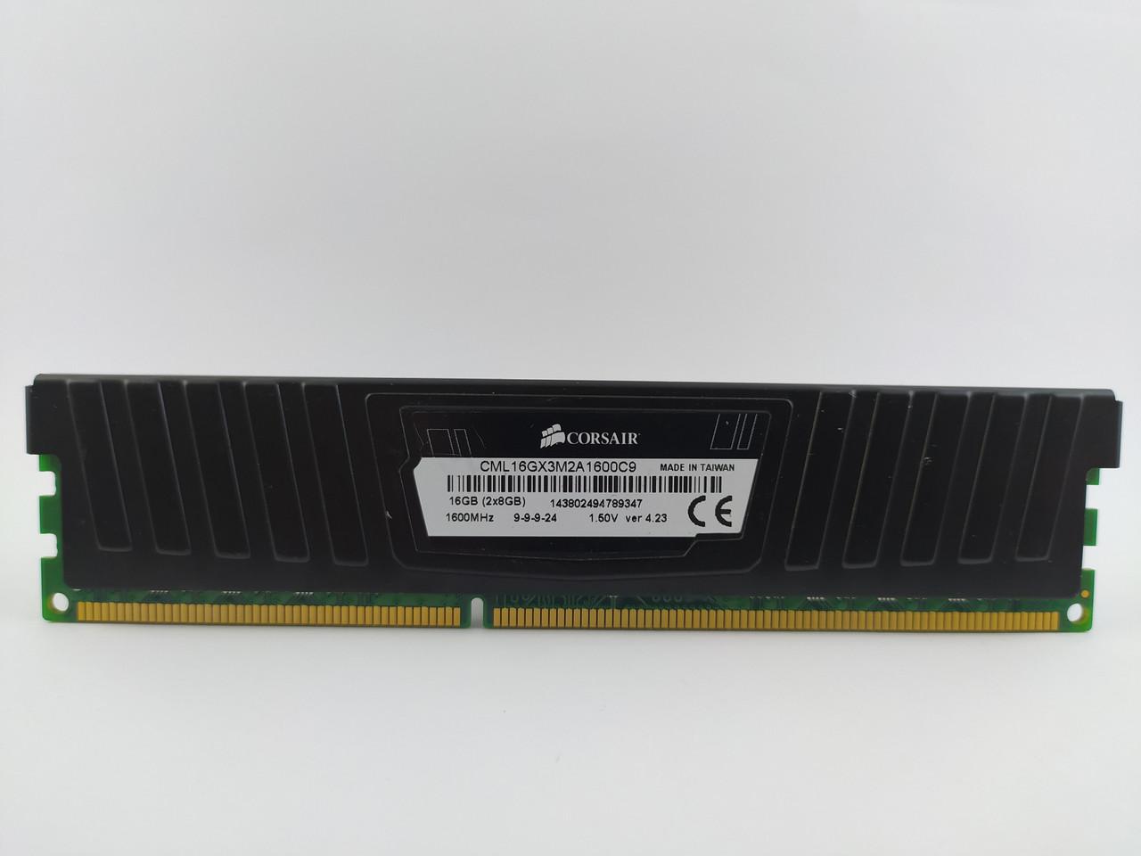 Оперативная память Corsair Vengeance DDR3 8Gb 1600MHz PC3-12800U (CML16GX3M2A1600C9) Б/У