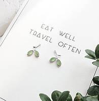 Серьги-гвоздики с камнями Leaf, маленькие сережки-гвоздики листочки под серебро, фото 1