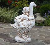 Садовая фигура Мальчик на гусе 38х28х59 см Гранд Презент ССП12003 Крем, фото 4