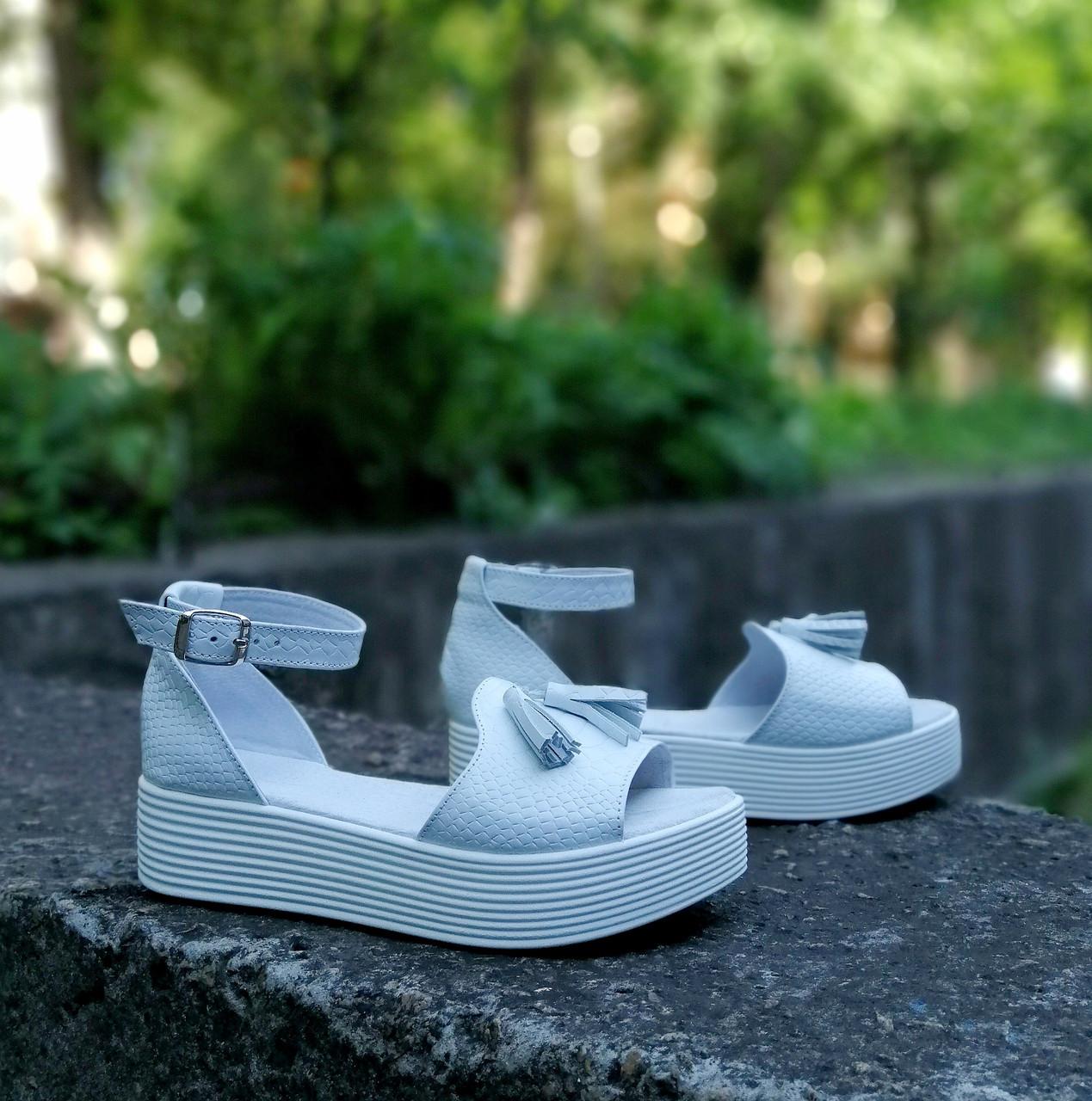 Белые босоножки кожаные принт питон