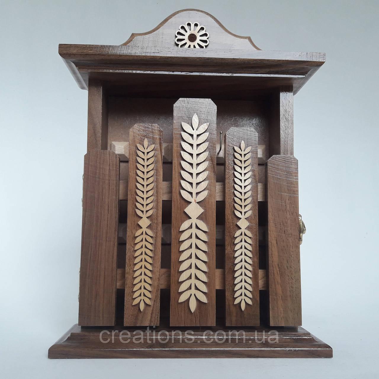 Ключниця настінна з дерева ручної роботи 31*22*8 на 6 гачків з настінним кріпленням