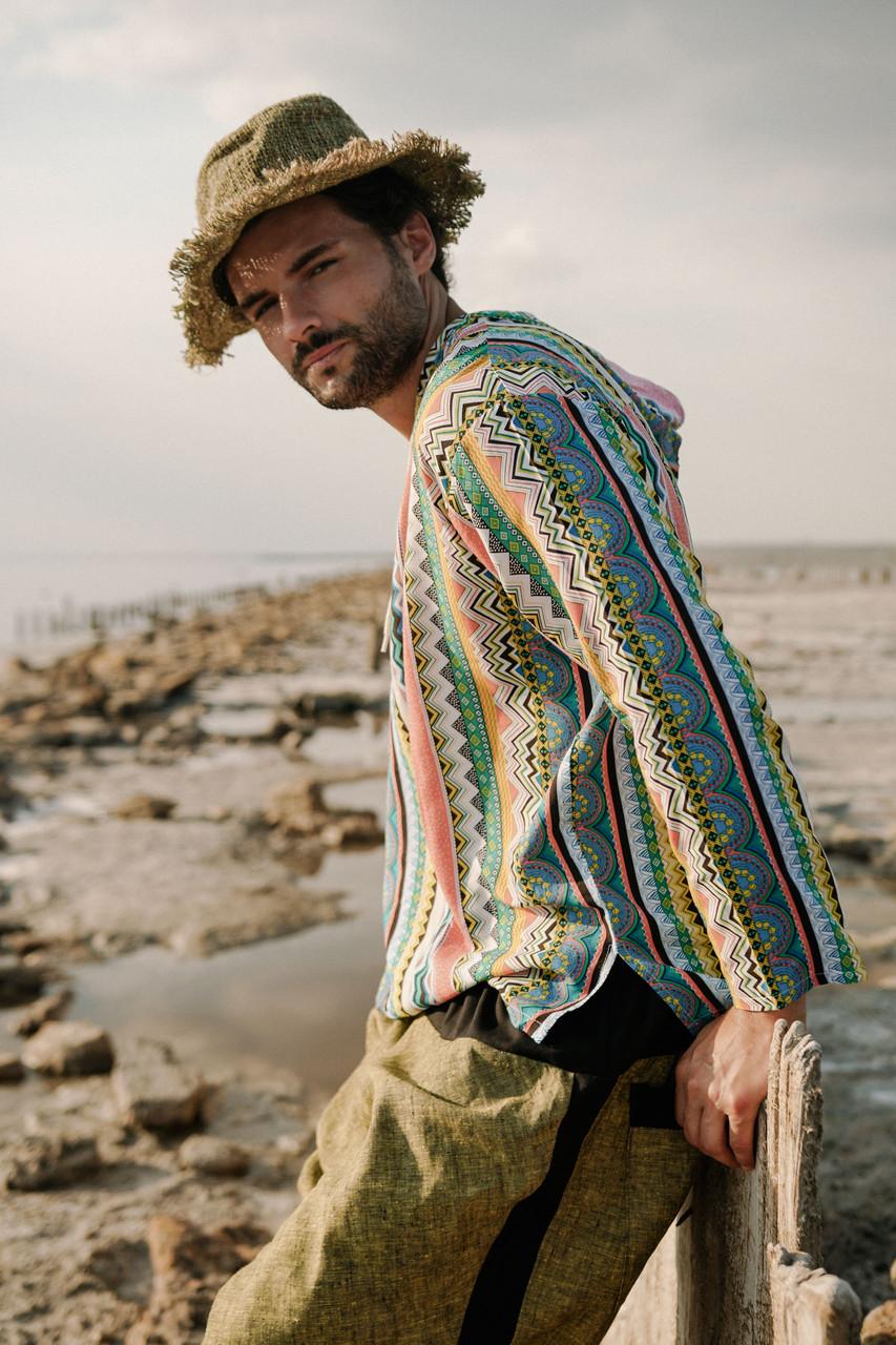 Легкая комфортная рубашка с капюшоном цвет радужный. 48-50.