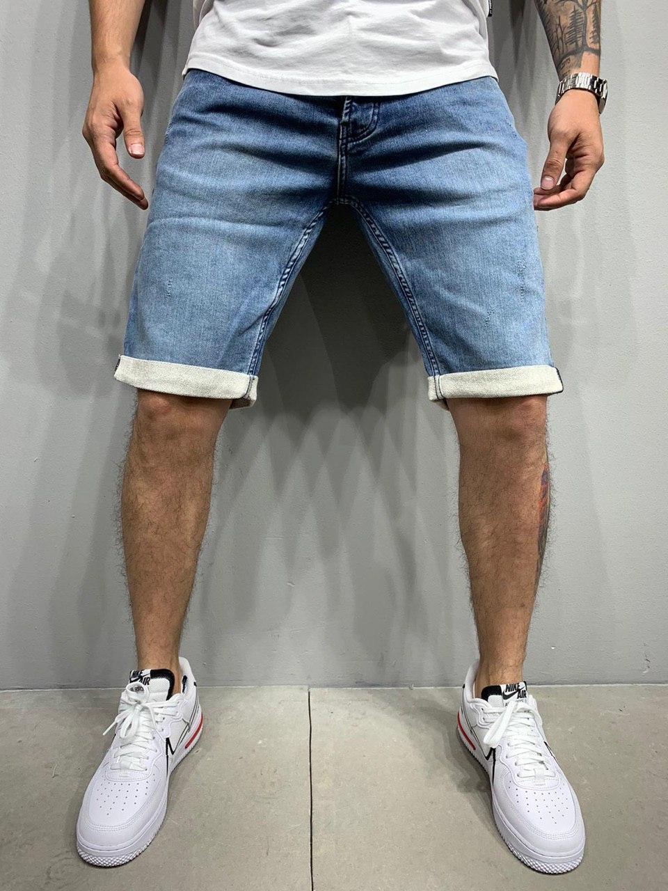 Чоловічі джинсові шорти синього кольору з підворотом