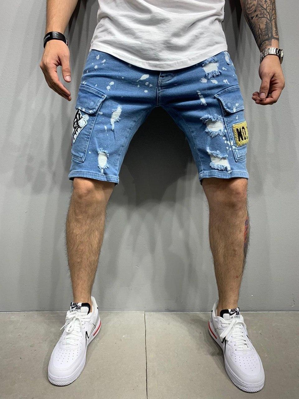 Чоловічі джинсові шорти синього кольору з потертостями