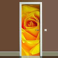 Виниловая наклейка на дверь Роза (полноцветная фотопечать пленка для двери желтая цветы бутоны роз лепестки декор двери ламинированная двойная