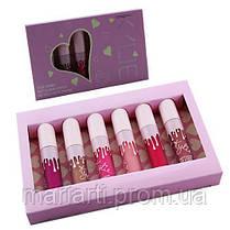 Набор жидких матовых помад Kylie 6 в 1 розовая коробка с сердцем, фото 3