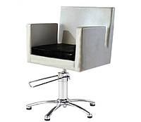 Квадратное парикмахерское кресло с подушкой на гидравлике Lisbon VM816