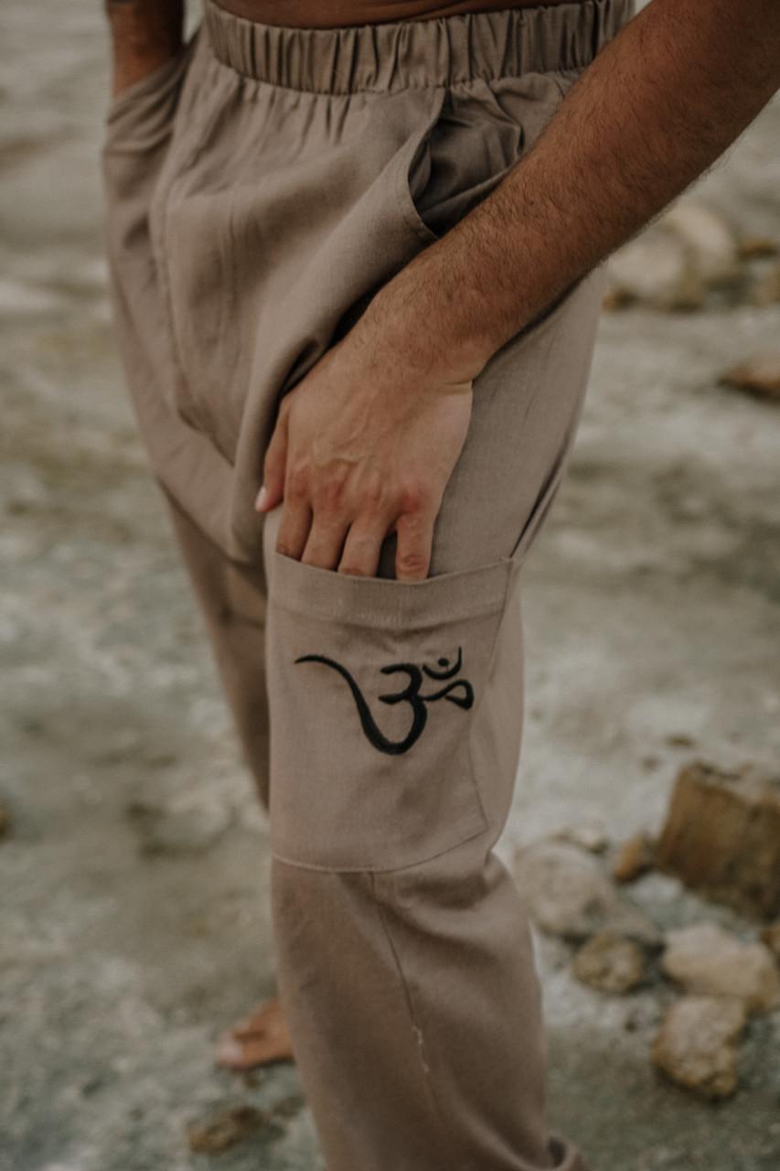 Удобные мужские штаны с мотней цвет мокко.