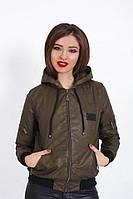 "Короткая женская куртка-бомбер на синтепоне ""MILITARY"" с капюшоном (2 цвета)"