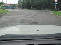 Почему ухабы на дорогах и лежачие полицейские нельзя проходить «на тормозах»?