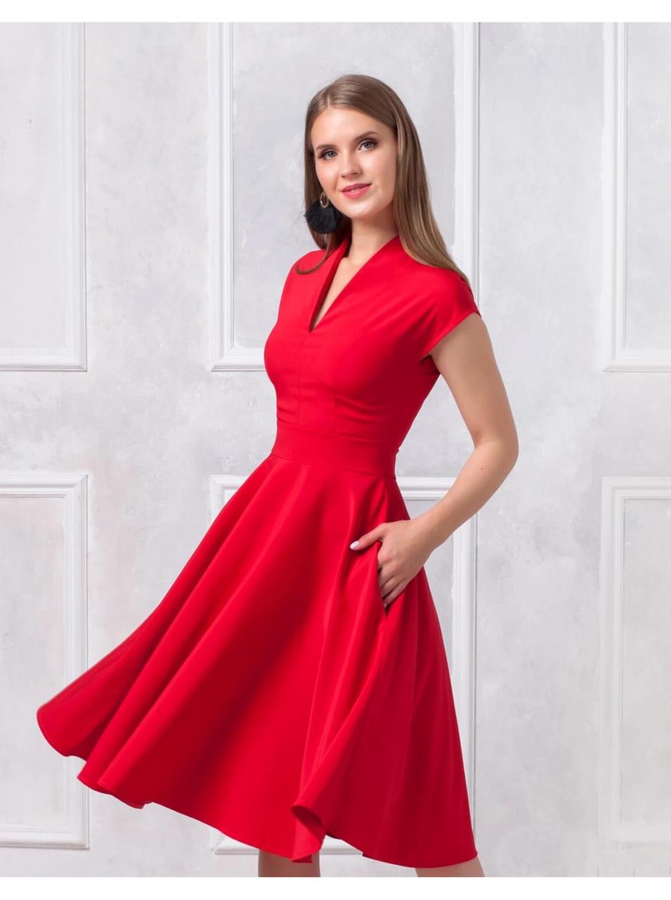 Платье длины миди с V-образным вырезом купить оптом и в розницу