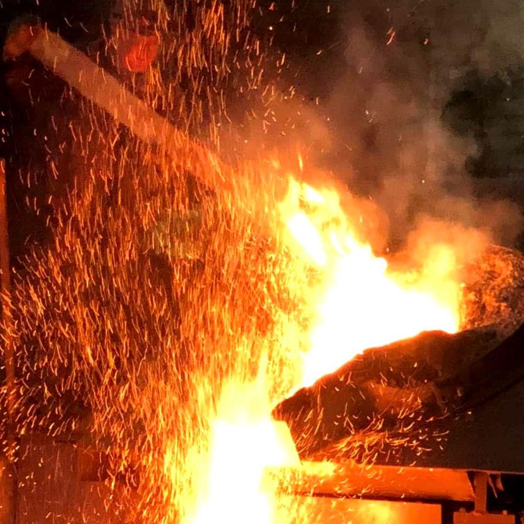 Литейное предприятие производит литье черных металлов