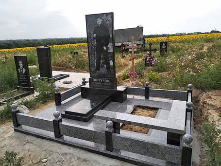 Меморіальний комплекс на могилу 010, фото 2