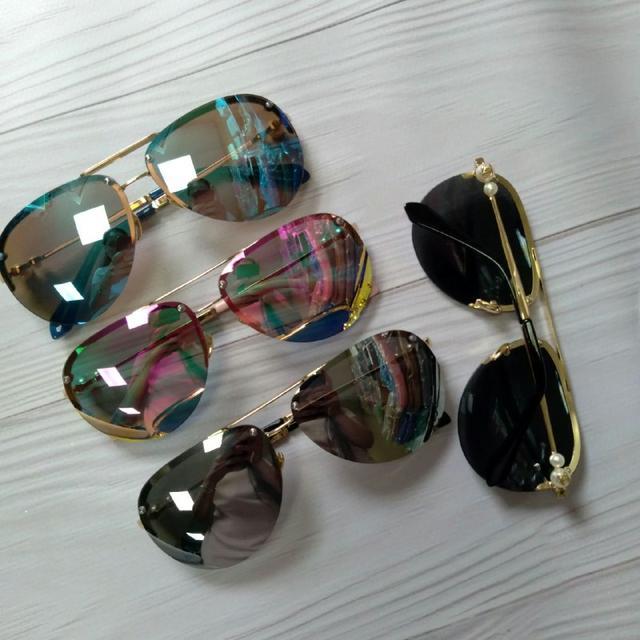 Красиві жіночі окуляри від сонця з намистинами на дужках
