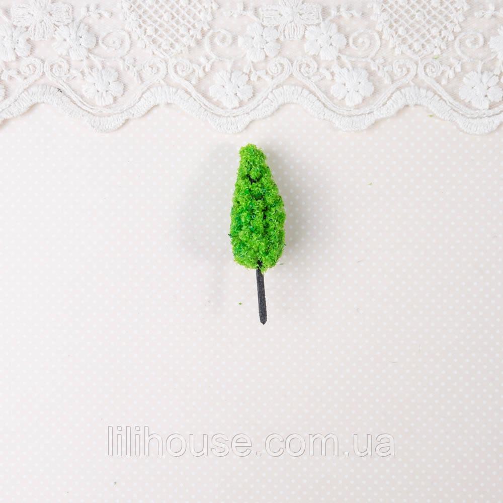 Искусственное дерево для диорамы и миниатюры, ель зеленая - 6 см