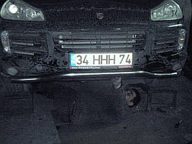 Труба одинарная (изогнутая) на Porsche Cayenne (70 диаметр)