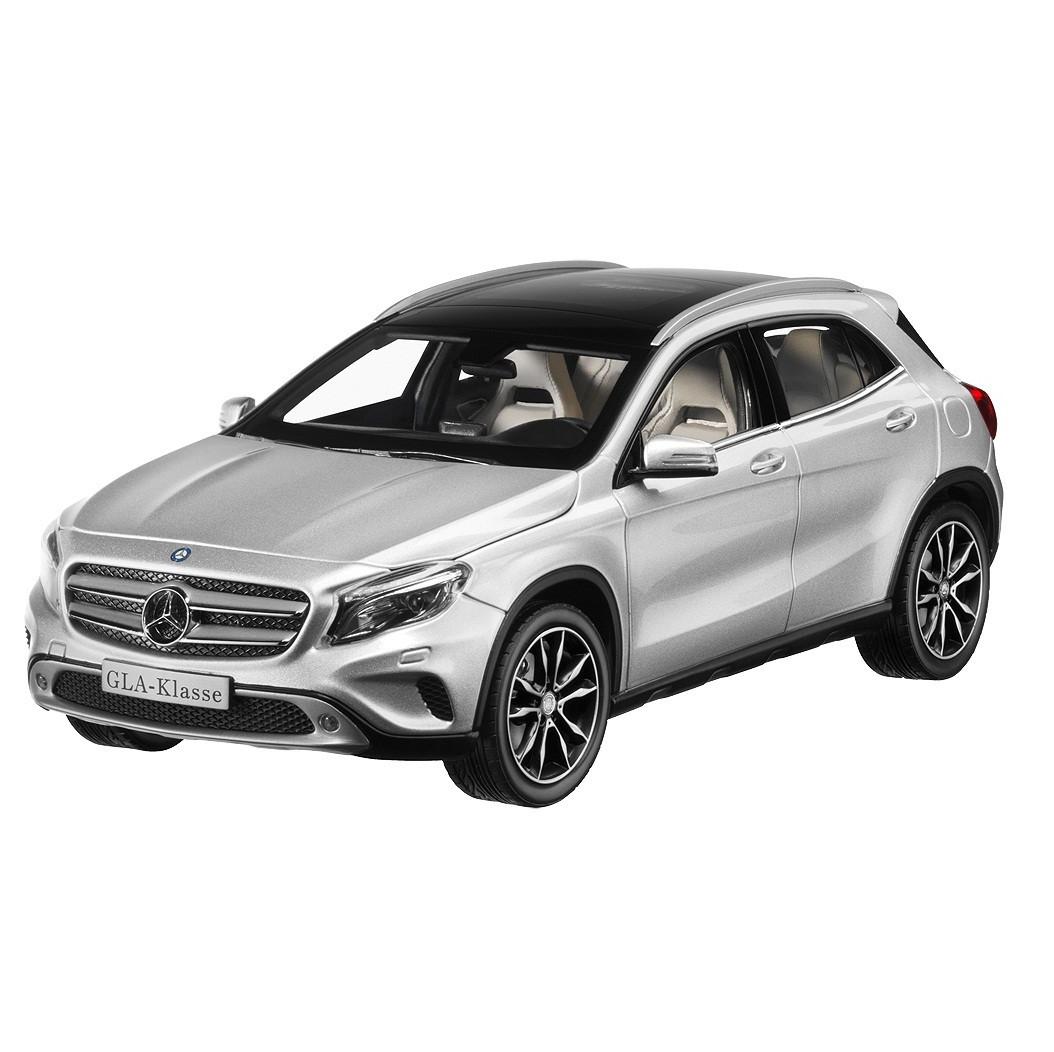 Модель автомобіля Mercedes GLA-Class, Scale 1:18, Polar Silver, артикул B66960267
