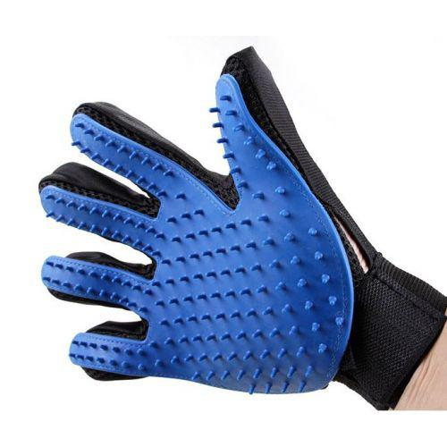 Перчатка для вычесывания шерсти животных True Touch