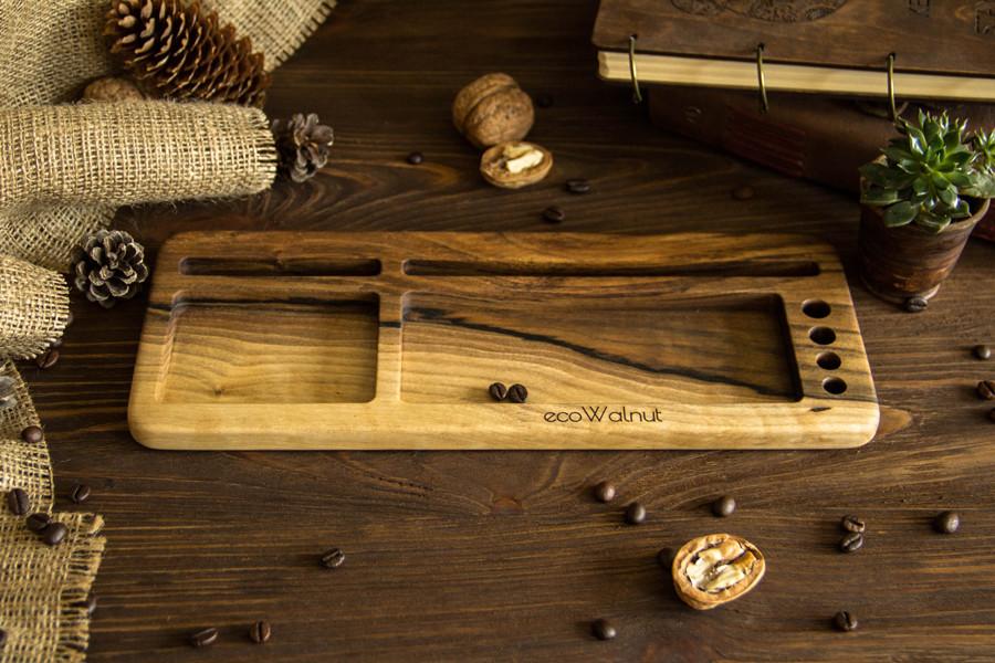 Деревянная подставка для смартфона и планшета