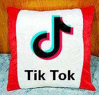 Подушка плюшевая с принтом Tik Tok