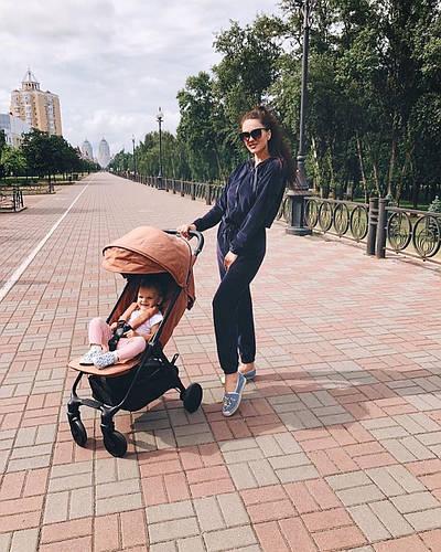 Яркие прогулки с Elodie Mondo