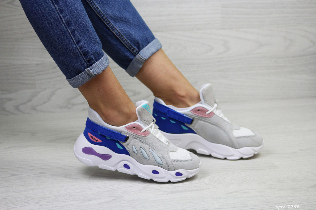 Женские кроссовки бежевые с синим 7958