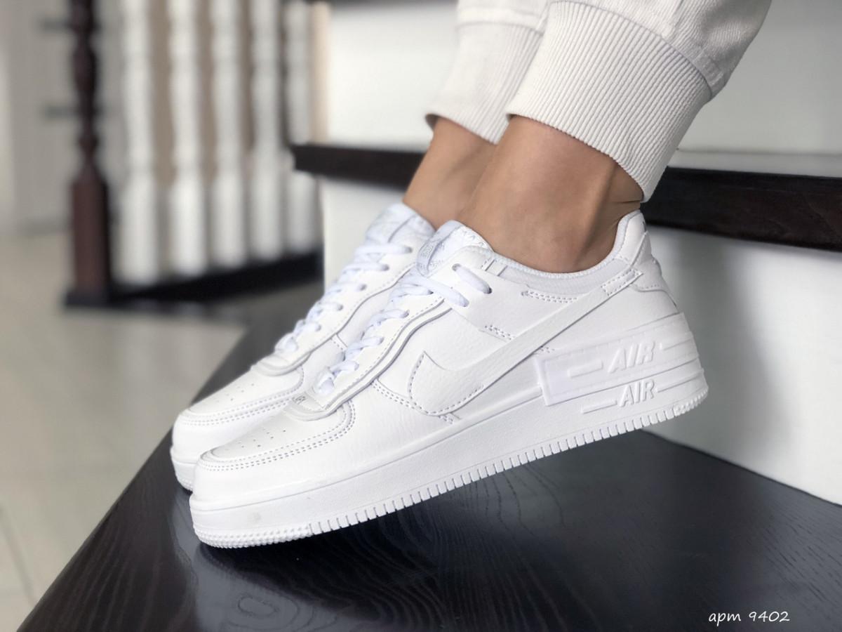 Женские кроссовки белые Force 9402