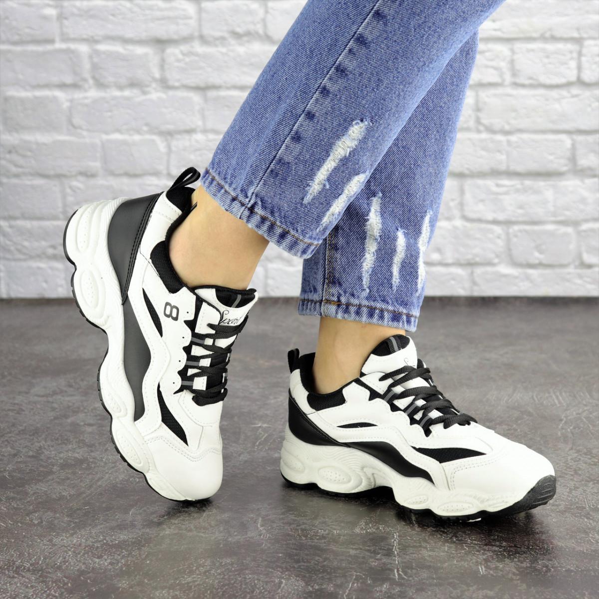 Женские кроссовки белые с черным Jinx 1664