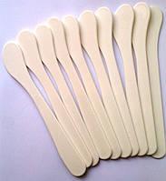 Шпатель для нанесения масок пластиковый, 185 мм.