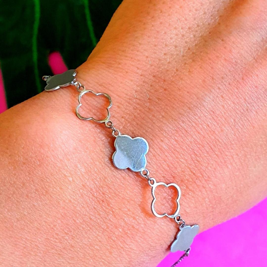 Брендовый серебряный браслет Клевер